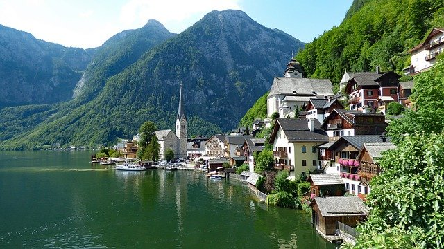 The town of Hallstatt in Upper Austria