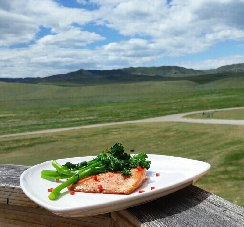 Salmon-at-Restaurant-Bliss