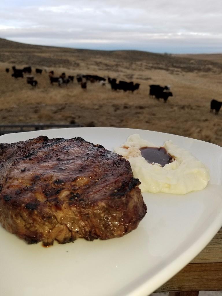 Steak-and-Potatoes-at-Restaurant-Bliss-e1509563807712