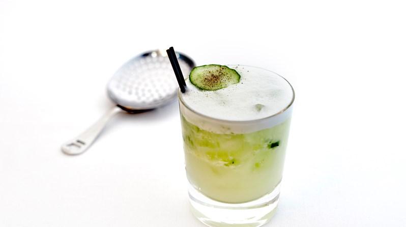 white-linen-cocktail