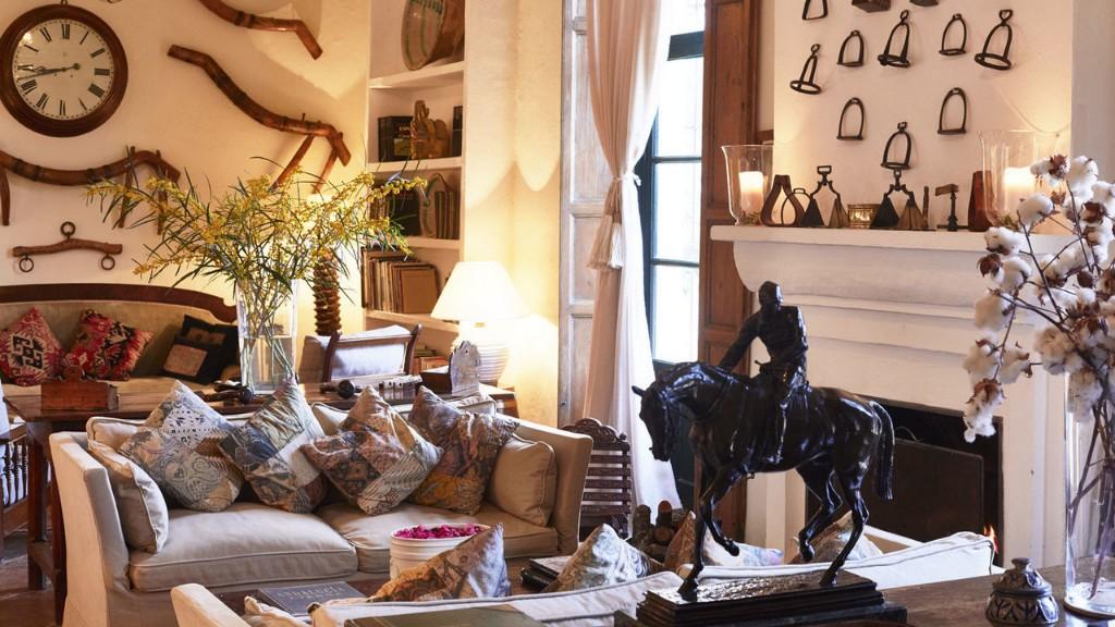 hacienda-de-san-rafael-galleryliving-room-61