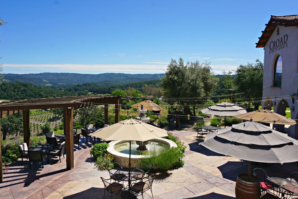 patio-at-croad-vineyards-in-paso-robles-california-1024x684