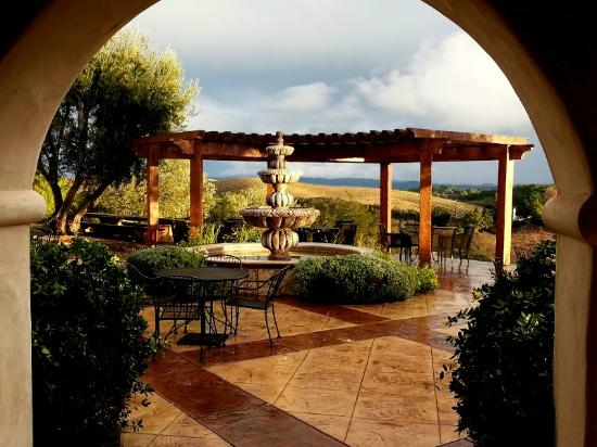 the-inn-at-croad-vineyards-1