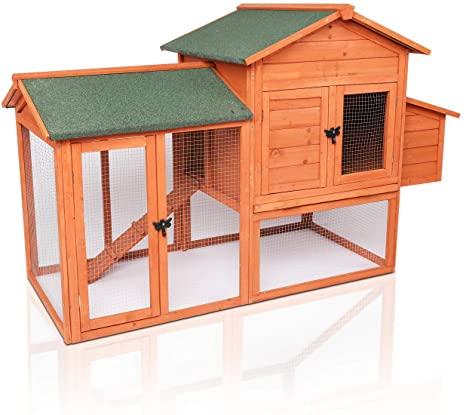 Chicken coop for three hens.